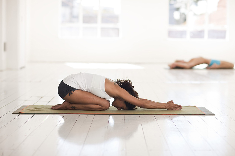 Позы йоги для коронной чакры